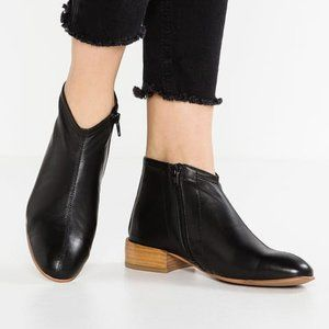 New Jeffrey Campbell Tiberius Black Leather Boots